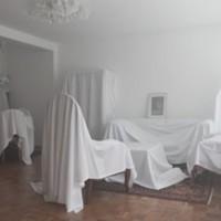 """Clea Stracke & Verena Seibt, """"Schlafendes Zimmer"""", 2011"""