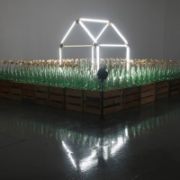 coca-cola-en-las-venas-2012-4-fans-396-bottles-of-soda-396-wood-flags-48-wood-boxes-13-neon-tubes-325-x-270-x-140cm-video-@-httpyoutu.be7qgqgfqgi6g